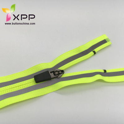 #5 Nylon Zipper with Reflective Tape for Sports Garments