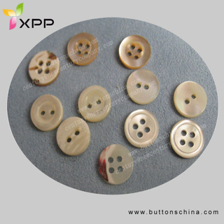 White Black Trocas Shell Button
